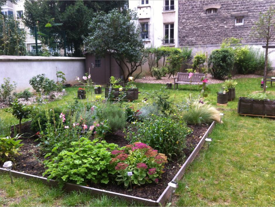 Jardin partagé dans une résidence 3F à Paris (15ème arrondissement)
